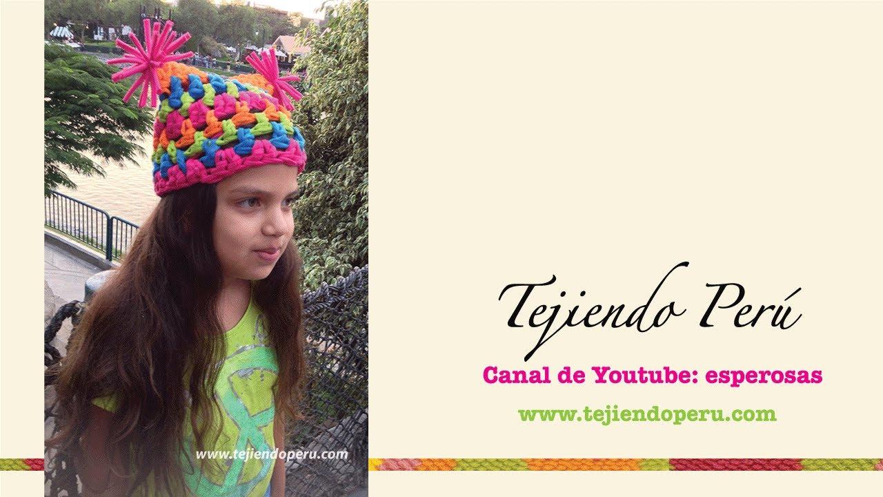 Gorro cuadrado con pompones tejido en trapillo con crochet XXL - YouTube