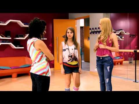 Disney Channel España | Lucía Gil en Violetta. Primer minuto en exclusiva.