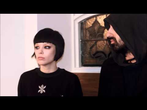Crystal Castles   Untrust Us Alex Zelenka Rmx)