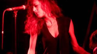 Melissa Auf der Maur - Head Unbound (live München 59:1 06.12.2010)