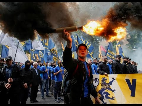 Smoke bombs & Firecrackers: Ukrainian nationalists protest Donbass elections