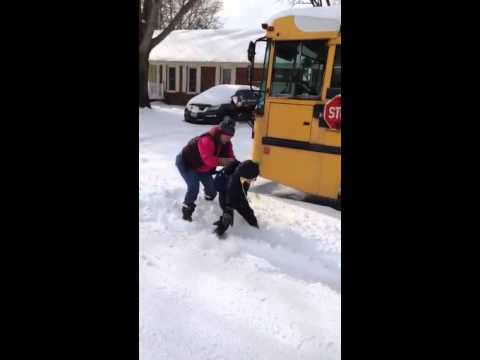 Chesapeake mother caught trying to send kid to school on snow day...
