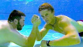 Repeat youtube video UNDERWATER ARM WRESTLING!