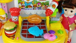 Baby doll and BBQ grill kitchen food cooking and refrigerator toys play 콩순이 뽀로로 바비큐 요리 주방놀이 아기인형 장난감
