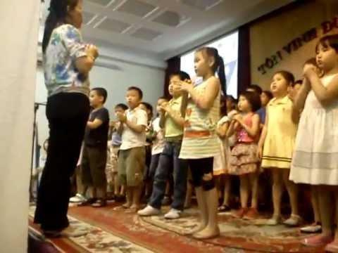 Thiếu Nhi HTTL TMG Thánh Kinh Hè Khóa 2012 (Tập hát cuối giờ)