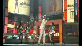 International love (HD) - Pitbull ft. Chris Brown - Premios Lo Nuestro 2012 (Miami)