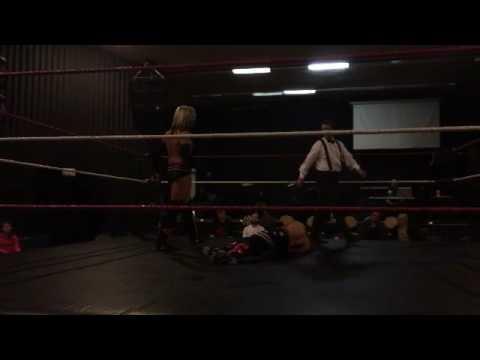 30-Minute Iron Man Match - Scott Justice vs. Michael Richard Blais