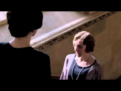 Downton Abbey Series 4 - Mary on Staircase Scene