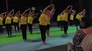 Coreografia geral dos alunos Studio Yoga Jantar Vegetariano jun/16