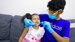 الطبيب يعالج أسنان لولو التعبانة!!