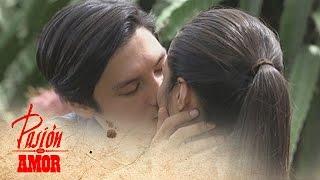 Pasion de Amor: Franco kisses Elle