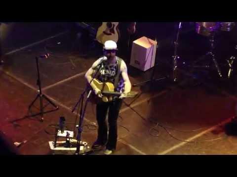 Oh, What a Waist (Pero Qué Cintura) - Kevin Johansen - Mis Américas