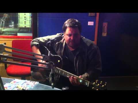 Alex Lloyd performs 'Amazing'  with David & Tanya 1029KOFM