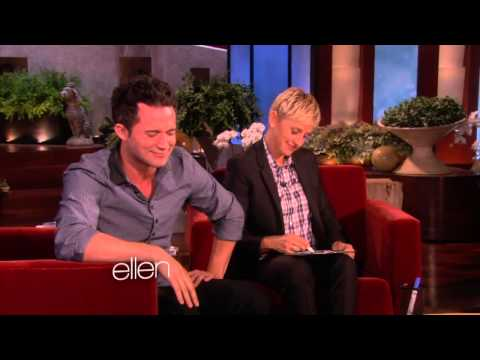 Justin Willman's outfit trick on Ellen