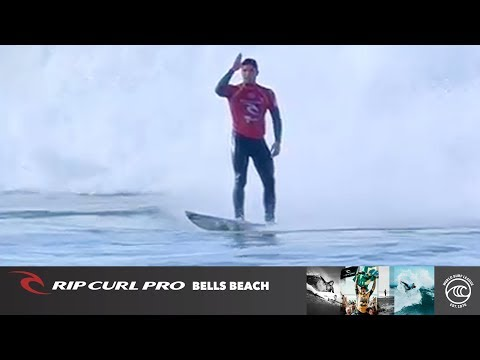 Gabriel Medina vs. Reef Heazlewood - Round of 32, Heat 9 - Rip Curl Pro Bells Beach 2019