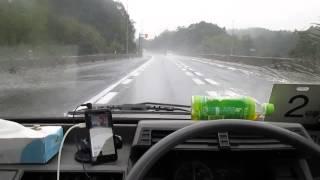 うるさい古い軽トラの車内でよく聞こえる曲は・・・ thumbnail