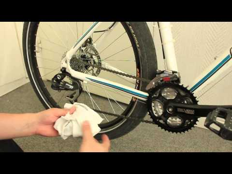How to clean a bicycle chain and then lubricate it