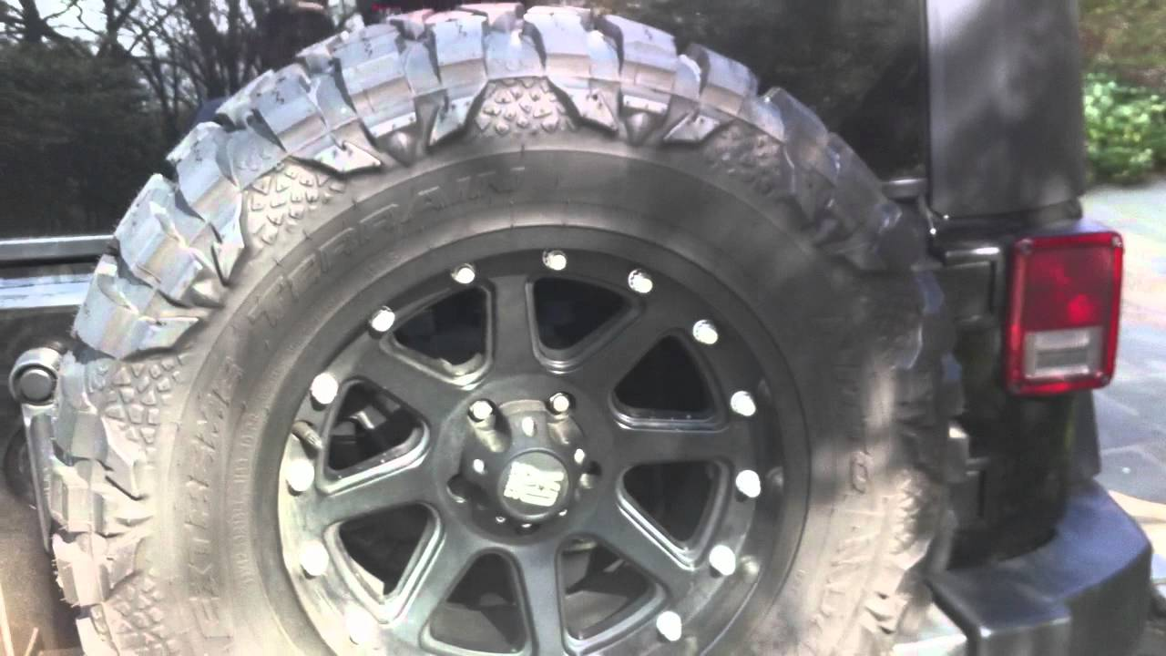 2010 Jeep Rubicon Wrangler Unlimited W 33x12 5x18 Nitto