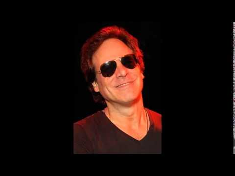 WXMX 98.1 The Max Interviews Tom Gimbel of Foreigner