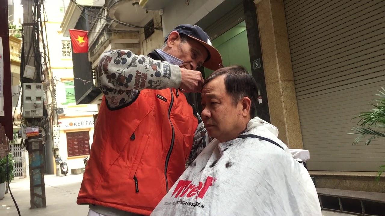 Ông cụ làm nghề 50 năm cắt kiểu tóc chân phương tỉ mỉ vuông vắn. | Tóm tắt các thông tin liên quan nghề hớt tóc nam đúng nhất