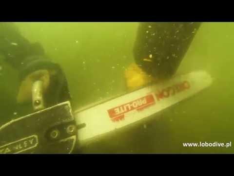 underwater chainsaw cutting