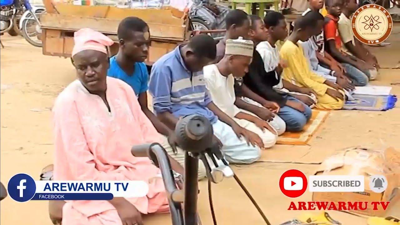 Download Mai Sana'a Ya Koma Tallen Magani A Masallaci [Musha Dariya Video]