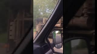 На Токсовском шоссе перевернулся КамАз
