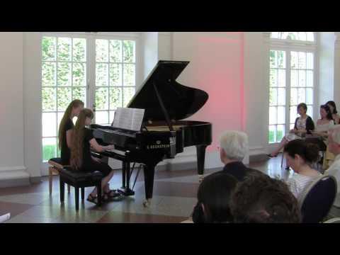 Lukas Stamm (*1994): Figuren (UA)  - Genia und Jessica Rebbelin