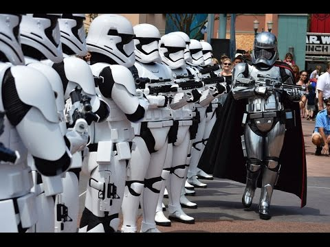 Hollywood Studios Starwars March of the First Order - Captain Phasma