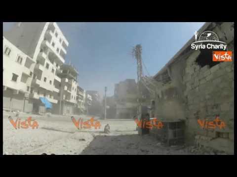 Siria, Aleppo bombardata vista dalla strada in soggettiva