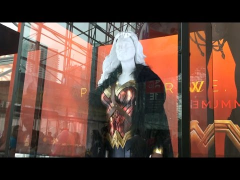 DC Entertainment Booth | New York Comic Con 2016