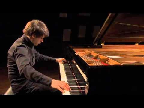 Vitaly Pisarenko plays Ravel - Une barque sur l'ocean
