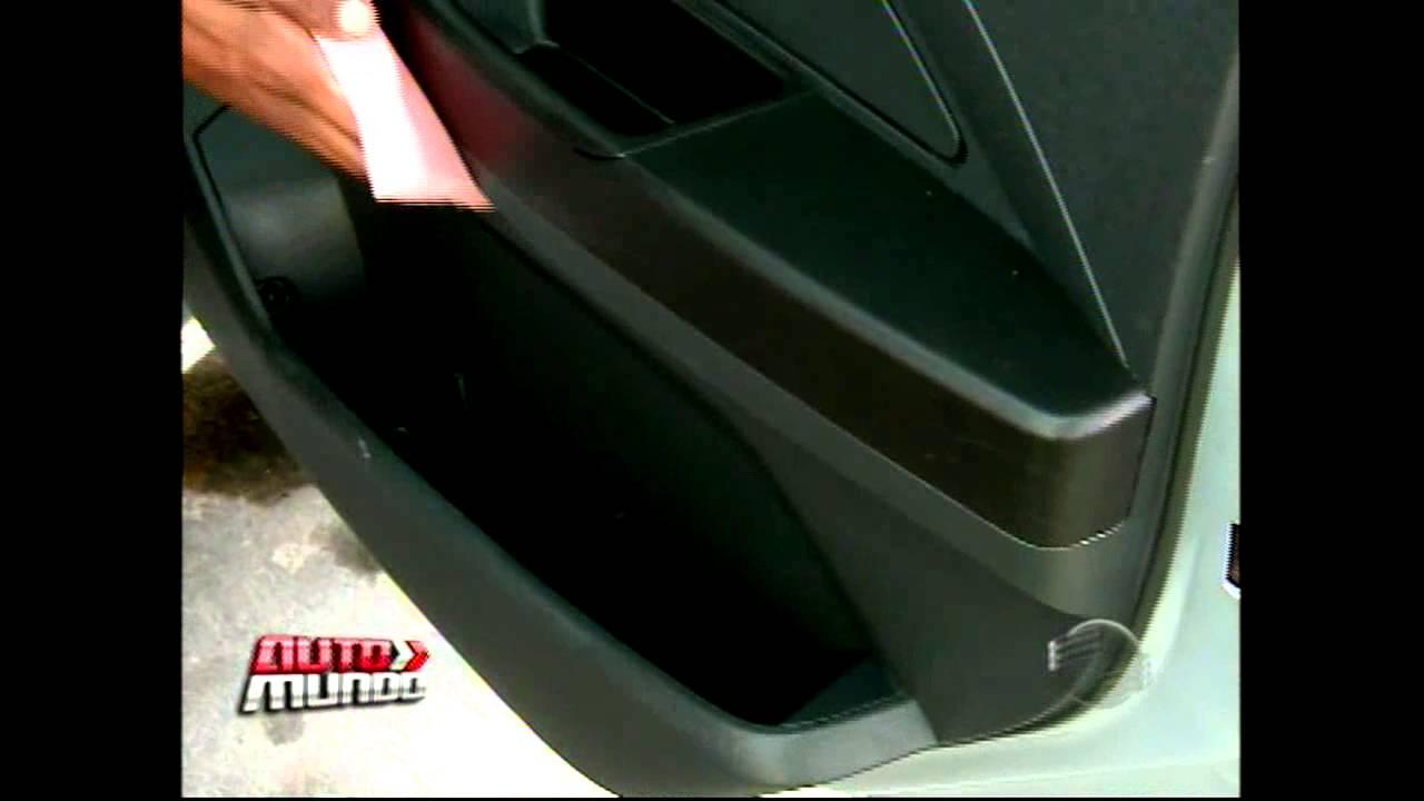 b504b02d6 Saiba qual é a maneira correta para cuidar das partes plásticas do carro