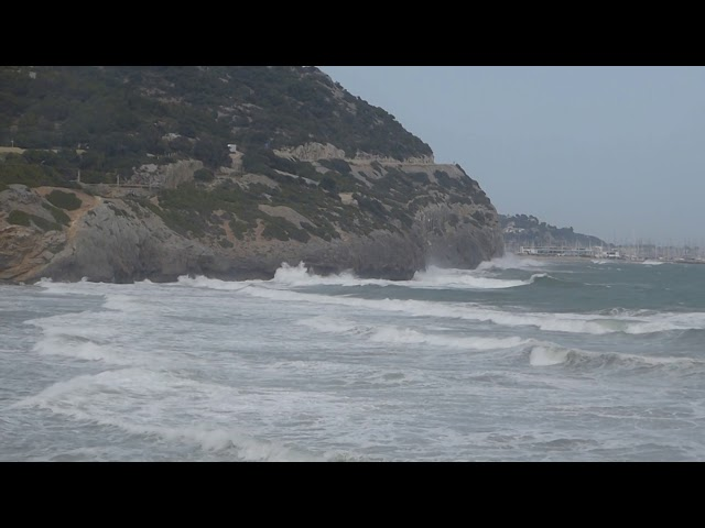 Temporal de gregal a la platja de Garraf - Sitges - Abril 2019