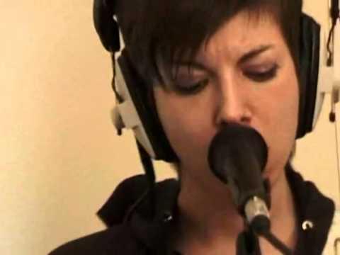 Mademoiselle K - ça me vexe (radio live 2005)