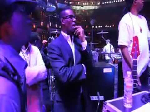 R kelly on bet awards 2010 how to earn bitcoins fast and easy 2021 fashion