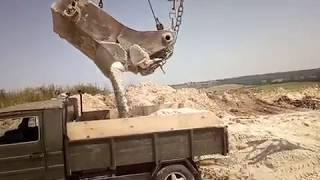 Луаз пикап.Доставка 1.6 тонн песка