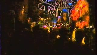 """Angel Forrest chante """"Mercedes Benz"""" aux Beaux Esprits le 02 dec.1994"""