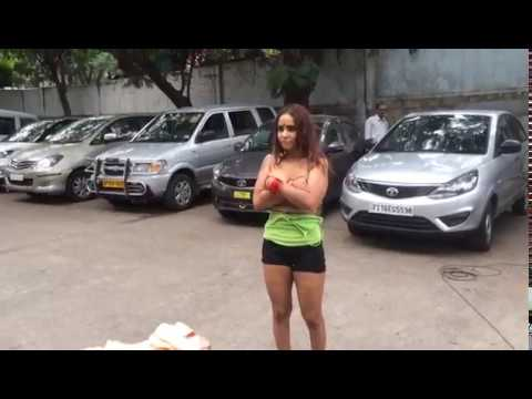 Sri Reddy Removes Her Dress In Public at Film Chamber - #SriReddy Protest | YOYO Channel thumbnail