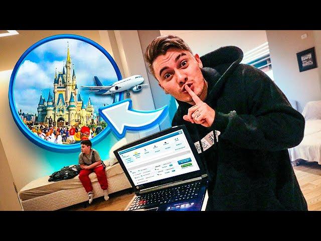 meu irmãozinho mais novo ainda não sabe... mas acabei de comprar nossas passagens pra Disney!