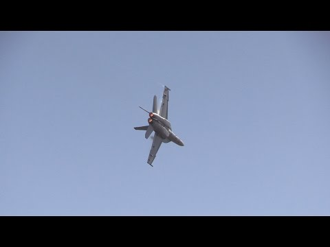 F-18 Super Hornet .. California Capital Airshow 2015