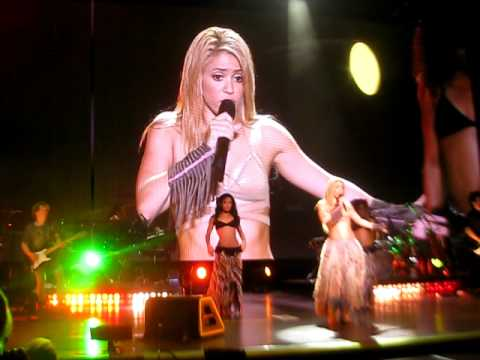 Shakira, Waka Waka (This Time for Africa) Live @ Santa Barbara, CA 10-20-10.AVI
