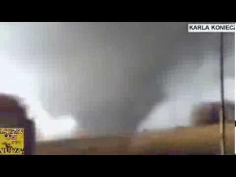 Lốc xoáy dữ dội phá tan một thành phố Mỹ   VnExpress