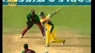 BRIAN LARA bowling vs Australia