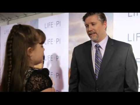 Morgan Interviews Bill Westenhofer on the Life of Pi Red Carpet