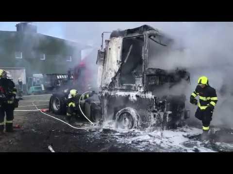 Požár nákladních vozidel 28.2.2018 Psáry