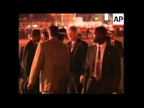 SENEGAL: US PRESIDENT CLINTON ARRIVES IN DAKAR