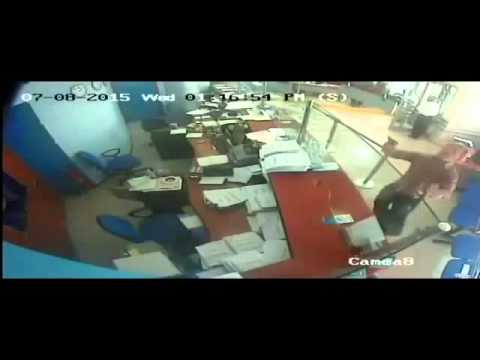 Video: Spectacular robbery of a bank in Albania