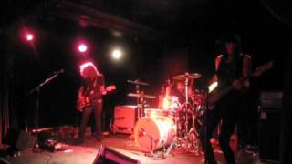 "Band of Skulls - ""Death By Diamonds and Pearls"" Live"
