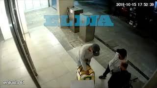 Así delincuentes encañonaron a un glover en La Plata